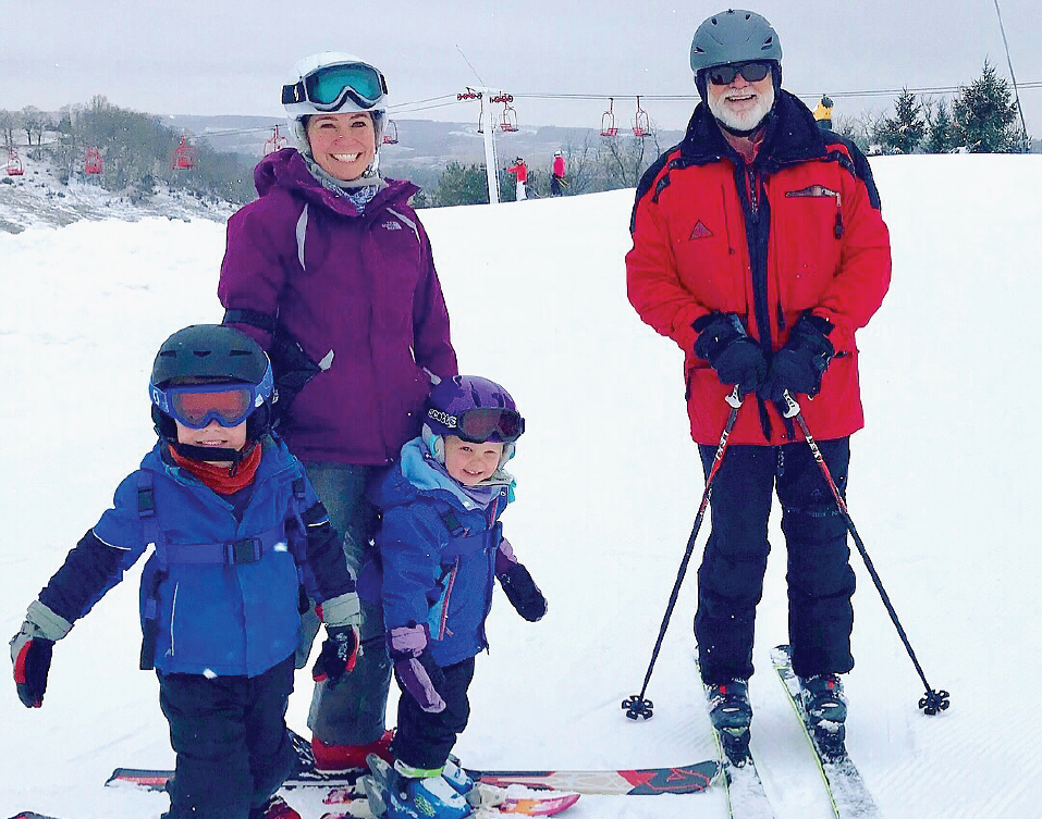 family skiing dubuque